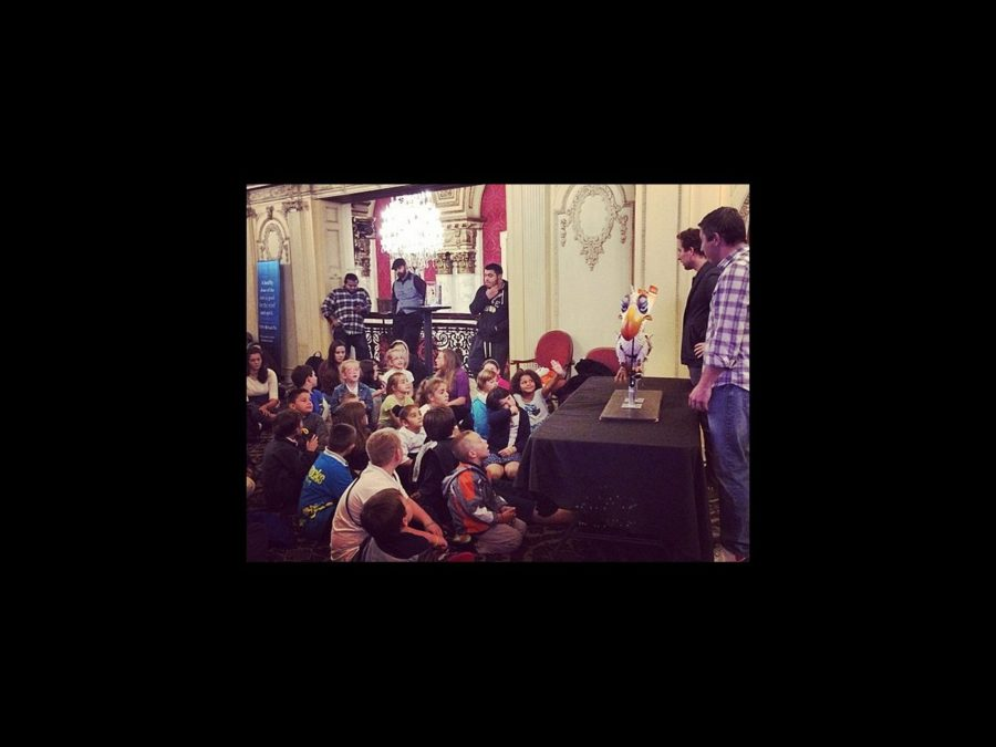 TOUR - The Lion King - Boston - puppet demo - 10/14